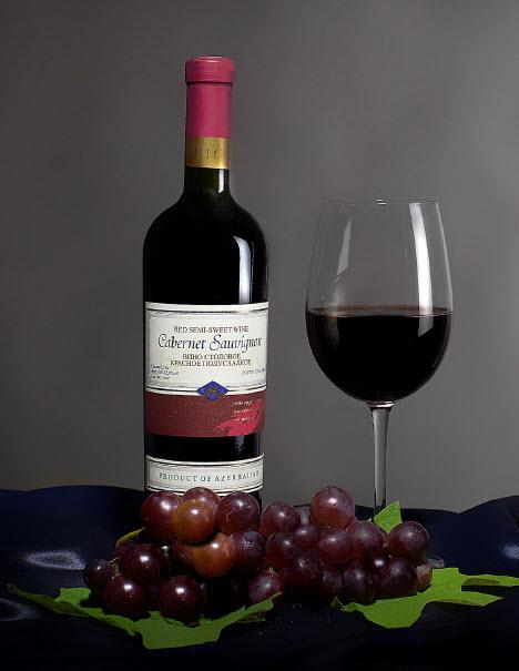Каберне Совиньон (Вино столовое красное полусладкое)