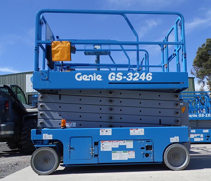 Genie scissor manlft GS 3246 SN 115012 2013 capacity 318 KG buy