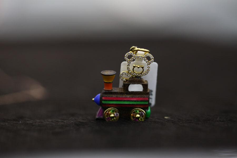 Buy Pendent from gold an engine children's