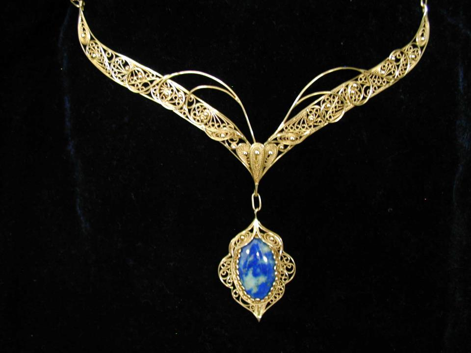 Buy Necklace gold