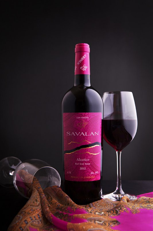 Вино Алеатико красное полусладкое