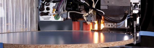 Обрабатывающие центры с ЧПУ Venture 320 - высокая мощность для обработки плит с помощью агрегата powerEdge