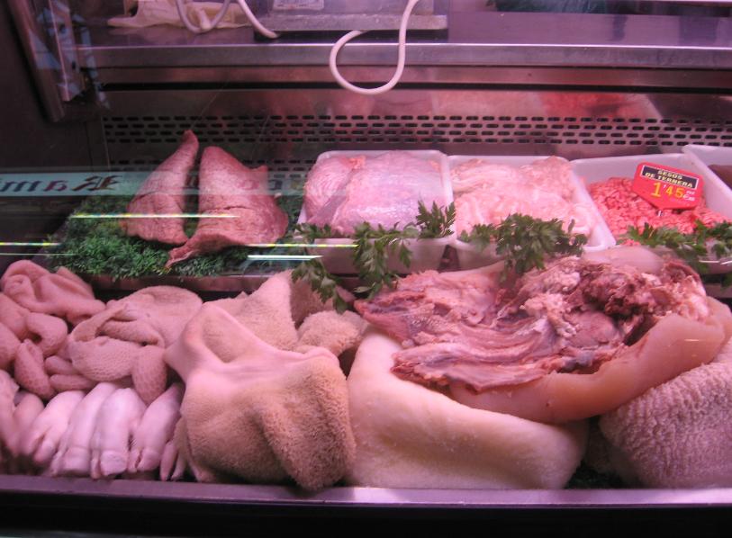 食肉処理場、家禽の屠殺場からの肉や内臓食 グループ: 食肉処理場、家禽の屠殺場からの肉や内臓食