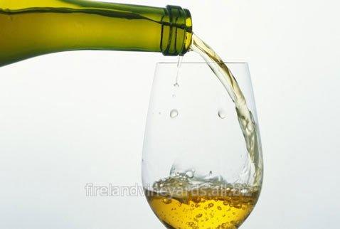 Купить Вино белое сухое.