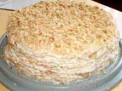 Слоеный торт со сливочным кремом