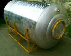 Corrosion-proof tank, tank for storage of wine