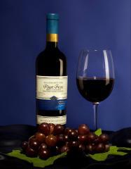 Пино Фран (Вино столовое красное полусладкое)