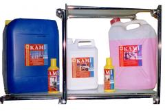 Means for manual cleaning of carpets, means with