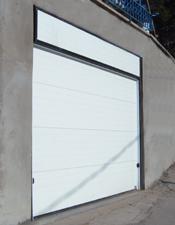 Секционные гаражные двери