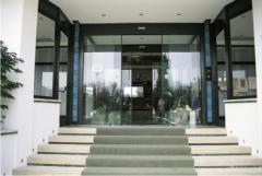 Фотоэлементные стеклянные двери