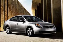 Автомобили легковые Nissan
