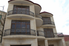 Ограждения для балконов кованые и решетки на окна