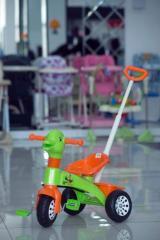 Велосипед детский трехколесный с ручкой