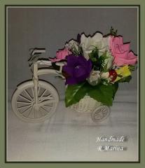 Букет из конфет на велосипеде