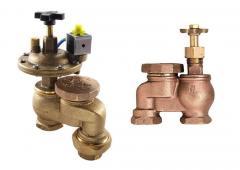 Angular valve