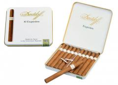 Dominican cigarillos of Davidoff Exquisitos