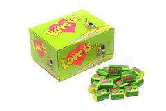 Жевательная резинка Love is... со вкусом яблока и
