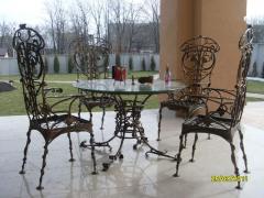 Кованые стулья и столы