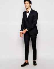 Модный костюм для мужчин