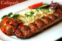 Çöp şişd ə fərqli toyuq kabab ı.