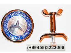 Mercedes üçün kapot znakı,  Знак на капот для Mercedes.