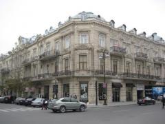 Аренда магазина 450 кв\м Баку ул 28 Мая