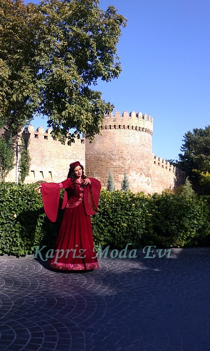 naczionalnaya_zhenskoe_plate_azerbajdzhana