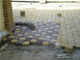 Заказать Мощение плиткой бетонной
