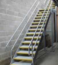 Заказать Установка пожарных лестниц