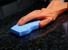 Cleaning and polishing of alkaponovy, stone,