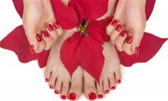 Courses of manicure and pedicure