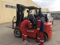 Service of construction Manitou cars
