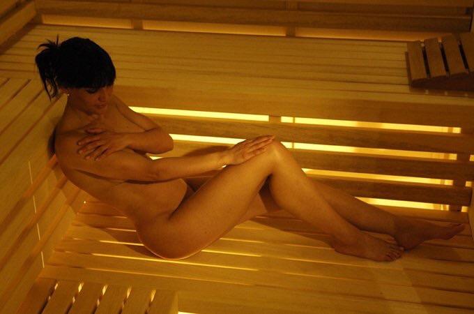 стакан воды эротичный массаж в сауне разговорились случайно, она